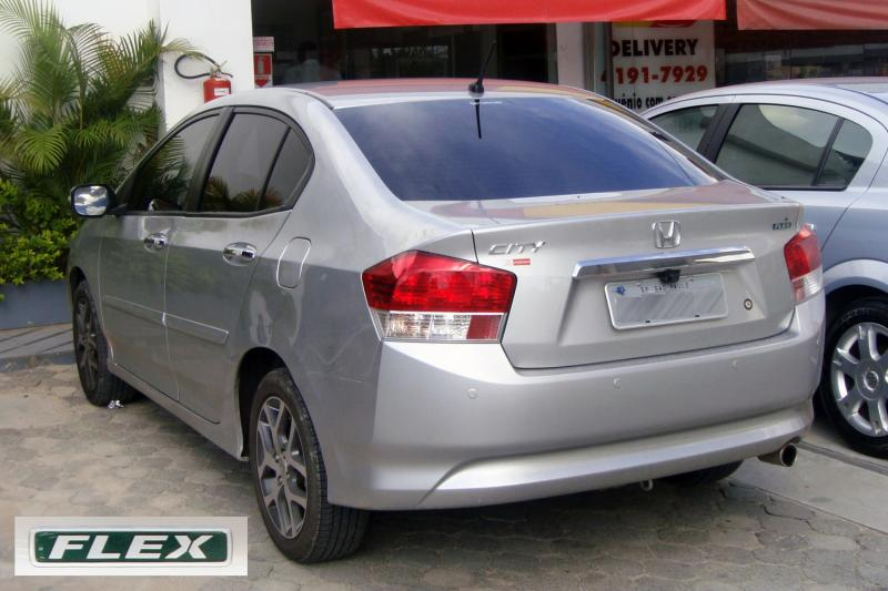 Click image for larger version  Name:Honda_City_flex_fuel_with_badge_SAO_01_2011_806.jpg Views:133 Size:59.9 KB ID:23215