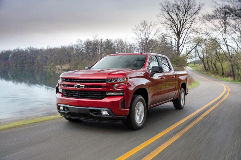 Click image for larger version  Name:2019-Chevrolet-Silverado-RST-025-768x512.jpg Views:669 Size:72.2 KB ID:24224
