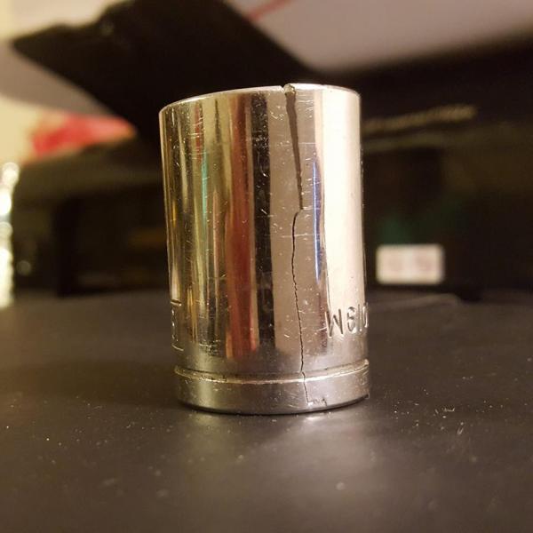 Click image for larger version  Name:Broken 19mm socket.jpg Views:44 Size:30.9 KB ID:24420
