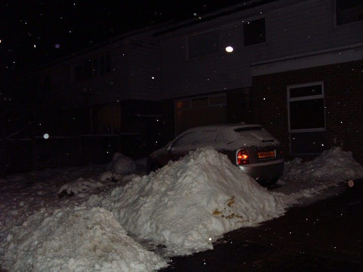 Click image for larger version  Name:Snow.JPG Views:38 Size:107.6 KB ID:7452